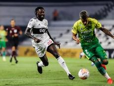 Según Santa Cruz, Adebayor quiere volver a Paraguay. EFE