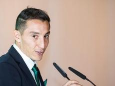 Guardado no parece muy conforme con la rebaja de sueldo del Betis a sus jugadores. EFE/RaúlCaro