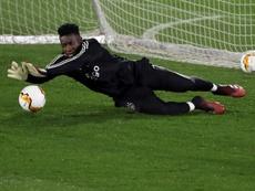 El Ajax quiere renovar a Onana para asegurarse su continuidad. EFE