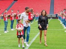 Aduriz recibió el homenaje del Athletic. EFE/Archivo