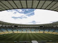 Gramado do Maracanã sofre com falta de iluminação no inverno. EFE/Antonio Lacerda