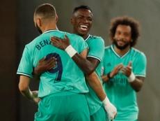 Pese a los piques, Benzema es mentor de Vinicius. EFE