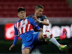 Chivas apartó a tres jugadores. EFE