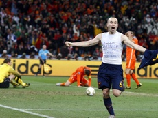Marchena did not celebrate with Iniesta to prevent a quick kick-off by the opposition. EFE