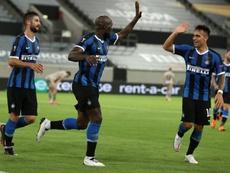 Lautaro e Lukaku marcaram quatro dos cinco gols da Inter sobre o Shakhtar. EFE/EPA/LARS BARON