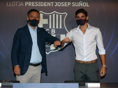 Trincão não quis escolher um dos dois. EFE/FC BARCELONA/Miguel Ruiz