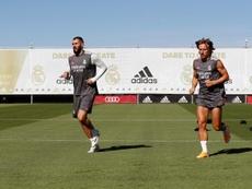 Benzema e Modric participaram do segundo dia de trabalhos do Real Madrid. EFE/ Real Madrid