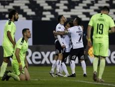 Colo-Colo completa la remontada y deja tocado a Peñarol. EFE/Marcelo Hernández
