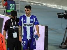 Ximo Navarro, lesionado ante el Barcelona. EFE