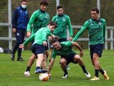 La Real Sociedad va con casi todo ante el Nápoles. EFE