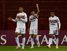 Luciano (no centro) e Brenner (à direita) marcaram dois dos gols do São Paulo. EFE/Agusín Marcarián