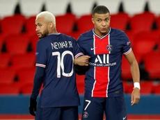 Neymar Jr e Kylian Mbappe vivem mudanças na rotina de trabalho com o novo técnico. EFE/EPA/YOAN VALA