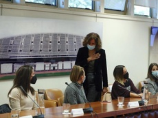 Irene Lozano se reunió con las capitanas de Primera. EFE/Kiko Huesca