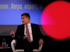 Joan Laporta no es partidario de fichar a Eric García ahora. EFE