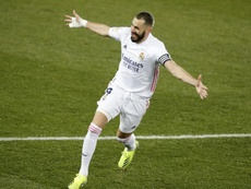 Benzema would apparently like to retire at Lyon. EFE