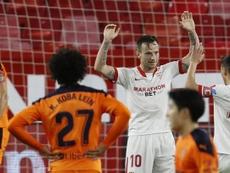 Rakitic fez um dos gols da vitória do Sevilla sobre o Valencia. EFE/Jose Manuel Vidal