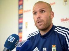 Ortuño cree que el Girona tiene dos jugadores por puestos. Twitter/RealOviedo