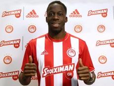 Cissokho es ya nuevo jugador de Olympiakos. OlympiacosFC