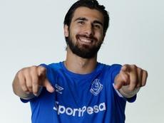 André Gomes se queda en el Everton. Twitter/Everton