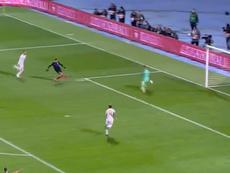Andrej Kramarić scores for Croatia against Spain. Captura