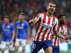 Saúl recebeu assistência de Ángel Correa para marcar o primeiro gol contra o Athletic. EFE/Rodrigo J