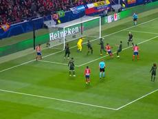 Antoine Griezmann scores for Atletico Madrid against Monaco. Captura