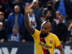 Barca want Vidal to continue, EFE