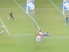 La suerte le dio la espalda a Ramos en el 0-2 del Arsenal. Captura/RealMadridTV