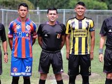 Las lágrimas presiden el último adiós de uno de los futbolistas asesinados en Venezuela. Ovación