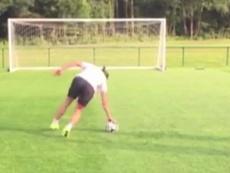 Bale practicando el penalti mareado. Youtube.