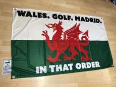 La famosa bandera de las prioridades de Bale no ha tardado en ser versionada. Twitter/WelshFootyFlag