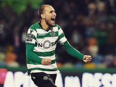 Bas Dost is the king of the first-touch. Facebook/SCP