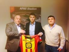 Bjelica posa con la camiseta del Mechelen. Twitter