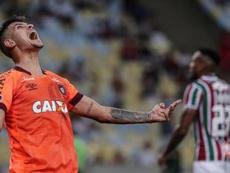 O Lyon entrou na lista de interessados em levar Bruno Guimarães do Athletico Paranaense. EFE