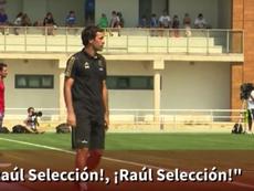 Cánticos de apoyo para Raúl. Youtube/AStv