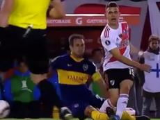 Izquierdoz y Lisandro López se jugaron la roja. Captura/DAZN