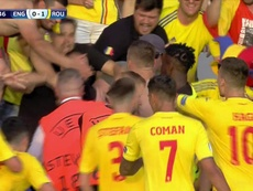 Romania opened the scoring from the penalty spot. Captura/Cuatro