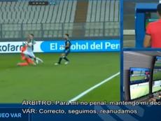 La CONMEBOL difundió el audio de la sala VAR de la acción de Armani. Captura/CONMEBOL
