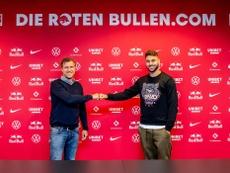 Nuevo fichaje en el RB Leipzig. Twitter/DieRotenBullen