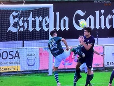 El Castilla, indignado por un penalti 'a lo De Jong' no pitado. Captura/RealMadridTV