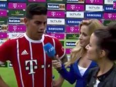 El centrocampista colombiano tiene que mejorar el alemán. Youtube