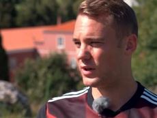 Neuer was happy with Bayern's win. Youtube/BayernMünchen