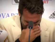 Matías Delgado se emocionó en rueda de prensa. Twitter