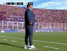 El 'Turco' no se cortó con las zapatillas. Captura/TNTSports