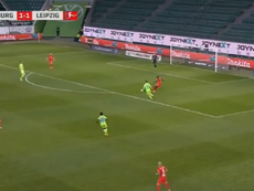 Another mistake from Upamecano that ends up with a Wolfsburg goal. Screenshot/Canal+