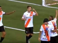 Falló un penalti ¡y lo bajan al filial! Captura/ViqueTV