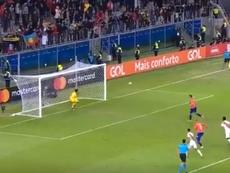 Vargas redondeó el desastre fallando un penalti 'a lo Panenka'