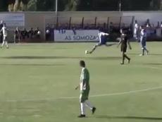 El centrocampista uruguayo firmó un gol de bandera ante el Somozas. Twitter