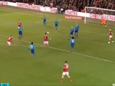 Lichaj volleyed home to give Forest the lead for the second time. Captura/BTSport