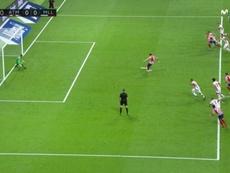 Alberola Rojas mandó repetir el penalti. Captura/MovistarLaLiga